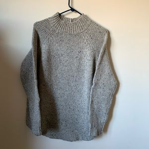 Cynthia Rowley Large Gray Wool Sweater. Size Large
